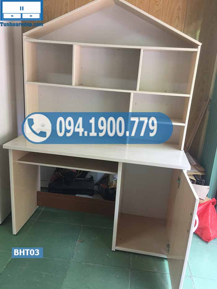Bàn học nhựa Đài Loan cho bé liền giá sách chóp ngôi nhà lớn BHT03